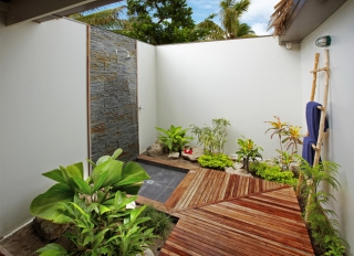 22 outdoor and garden showers and bathrooms inspiration